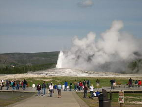 Old Faithful erste Eruption
